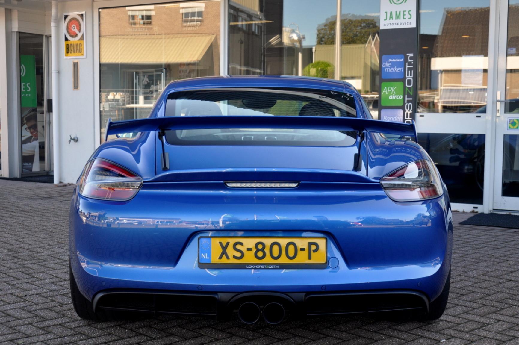 Porsche-Cayman-10