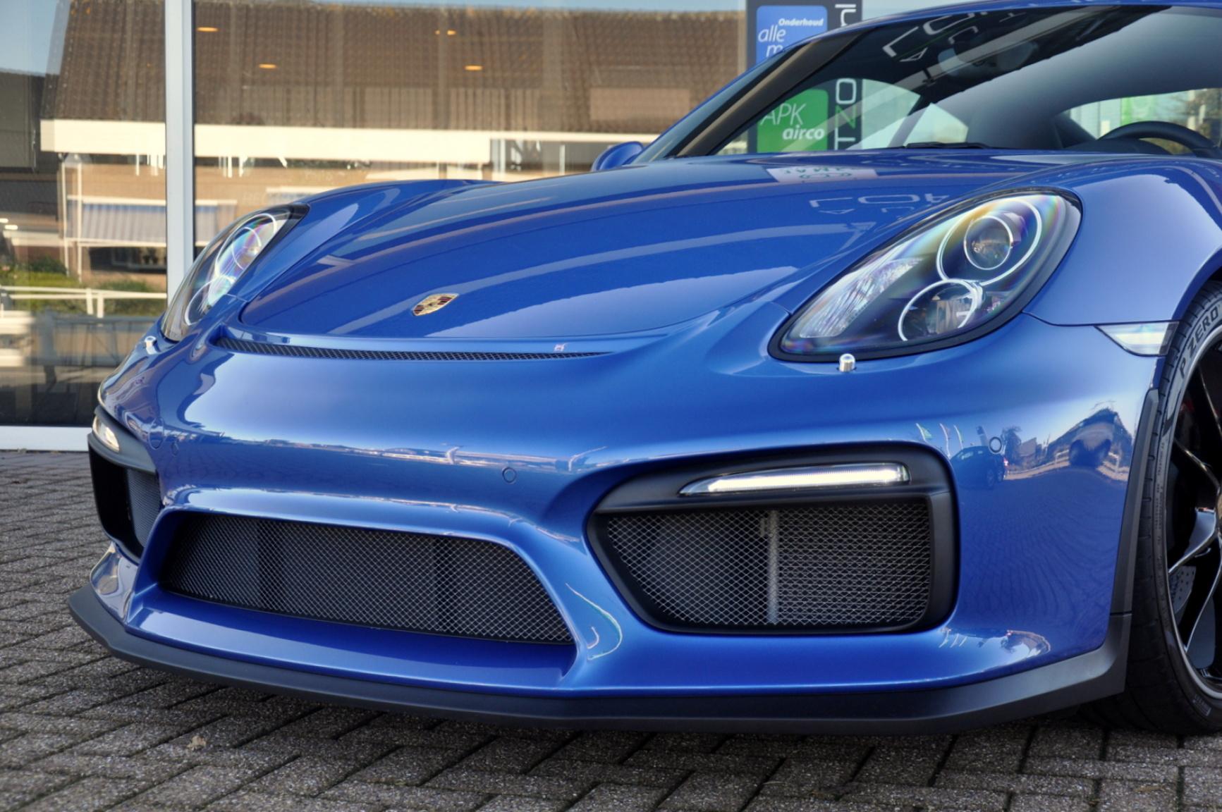 Porsche-Cayman-38