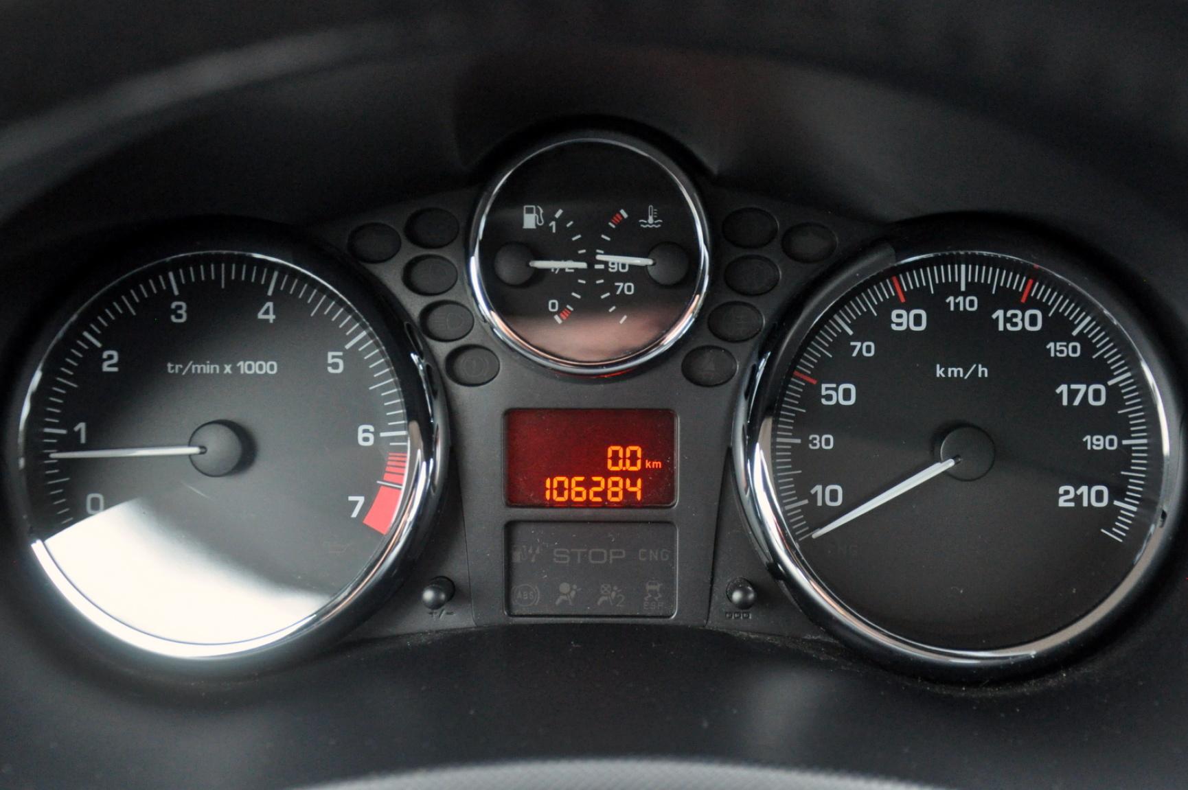 Peugeot-206+-19