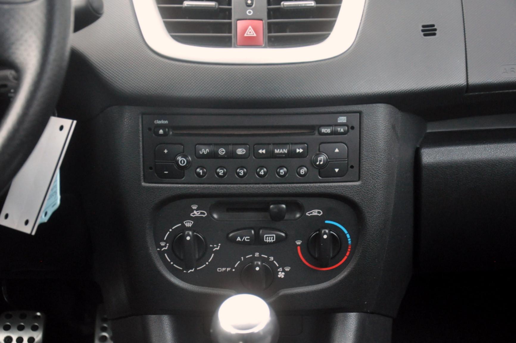 Peugeot-206+-17